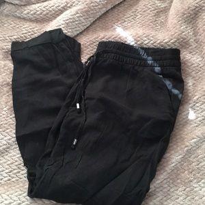 Light weight crop pants
